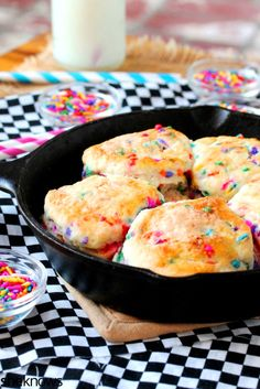 Canned Biscuit Dough Recipes: Get the recipe for these glazed Funfetti skillet biscuits at SheKnows. Grand Biscuit Recipes, Pillsbury Biscuit Recipes, Biscuit Dough Recipes, Pillsbury Dough, Bisquit Recipes, Breakfast Biscuits, Breakfast Recipes, Breakfast Ring, Appetizer Recipes