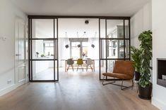 Studio Binnen Interior Design | project nieuwbouw woning Houten  #stalendeuren #ensuite #modernensuite #doors #diningroom #industrial #moderndesign