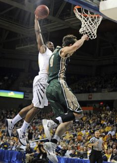 Dec. 29, 2013 — West Virginia 82, William & Mary 45 (Photo: Associated Press)