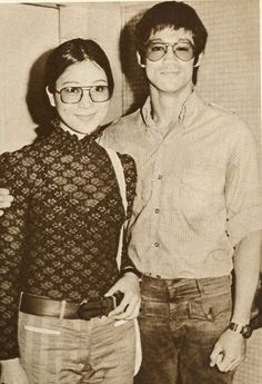 Connie Chan and Bruce Lee Bruce Lee Chuck Norris, Bruce Lee Master, Bruce Lee Family, Bruce Lee Photos, Martial Arts Movies, Martial Artists, Kali Martial Art, History Of Hong Kong, Way Of The Dragon