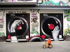 Graffiti by MTO. Spin that wheel.