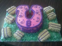 This was a ten inch round Amaretto cake theat I cut into the shape of a horseshoe for Avery's Birthday! She wanted a cowgirl birthday ca. Sheriff Callie Birthday, Cowgirl Birthday, Cowgirl Party, Cowgirl Cakes, Western Cakes, 6th Birthday Parties, Birthday Ideas, 8th Birthday, Birthday Cakes