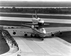 "NASA - Space Shuttle ""Enterprise"" (OV-101) and Boeing 747-123 (N905NA) (c/n SCA905) Arrived at Kennedy Space Center in 1969"