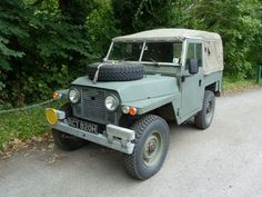 One of approximately Series Lightweight / Air portable / Rover 1 Land Rovers. My Dream Car, Dream Cars, Tire Pressure Gauge, Navy Military, Flat Tire, Land Rover Discovery, Barn Finds, Land Rover Defender, Range Rover