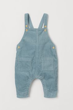 H&M Corduroy Bib Overalls – Turquoise Cord Latzhose – Türkis – Kinder Newborn Outfits, Baby Boy Outfits, Kids Outfits, Newborn Clothing, Bib Overalls, Dungarees, Style Salopette, Toddler Fashion, Kids Fashion