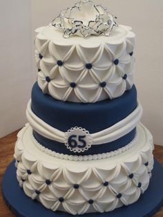 Best 20 Wedding Anniversary Cakes - The Best Recipes Compilation Ever Beautiful Wedding Cakes, Gorgeous Cakes, Pretty Cakes, Amazing Cakes, Cake Decorating Techniques, Cake Decorating Tips, Fondant Cakes, Cupcake Cakes, Wedding Anniversary Cakes