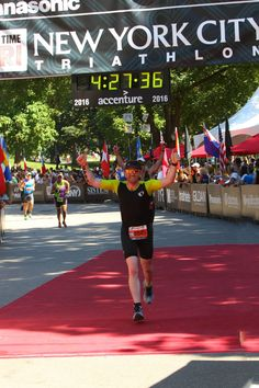 Team DKMS athlete Michael Tanney crossing the finish line. Photo Credit: Denis L. Tanney, Headzup photography
