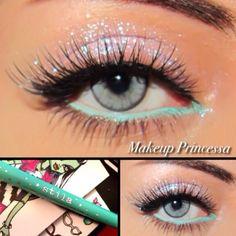 aqua eyeliner on the bottom lashline for spring