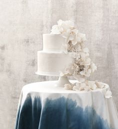 white cake ombre tablecloth