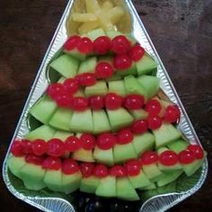 christmas party snacks | Christmas Tree Fruit Tray {Holiday Party Food} | Santa & Christmas
