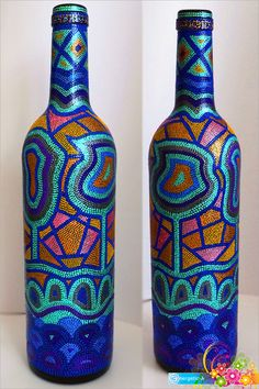 Discover recipes, home ideas, style inspiration and other ideas to try. Empty Wine Bottles, Wine Bottle Art, Painted Wine Bottles, Diy Bottle, Bottles And Jars, Glass Bottles, Mosaic Bottles, Glass Painting Designs, Stained Glass Paint