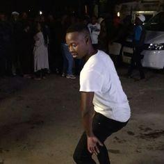 @andilesqengs representing Umlazi with this dance lesson 👟🌍💨 #Durban #Dance #Umlazi #Africa #SouthAfrica 🏡