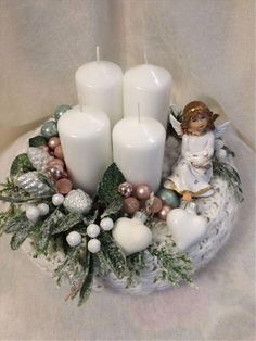 50 Stunning Christmas Sweater Wreath Advent Candles Decoration Ideas Page 33 of 55 Chic Hostess Christmas Crafs, Christmas Advent Wreath, Christmas Candle Decorations, Advent Candles, Xmas Wreaths, Christmas Candles, Rustic Christmas, Christmas Diy, Christmas Sweaters