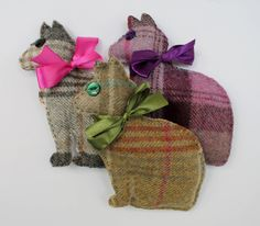 Cat Lavender Sachet in Tweed Dried Lavender Bag in 3 Colours Scrap Fabric Projects, Fabric Scraps, Sewing Projects, Sewing Ideas, Lavender Bags, Lavender Sachets, Christmas Pudding, Liberty Of London, Fabric Cutter