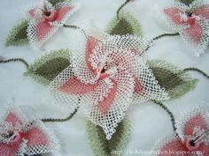 Different & interesting effect with color in Turkish lace. My aunt still make these flowers, love it!