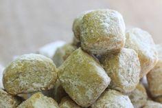 Ähnliche BeiträgeBiscotti all'amarenaErdäpfe-Bärlauch-BrotPolen kann kommen!Pralinenkurs - die kleinen Kunstwerke der KonditoreiHinterlasse einen Kommentar mit Facebook