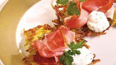 Ein absolutes Highlight der Schweizer Küche: Rösti. Sooo lecker und sooo knusprig!