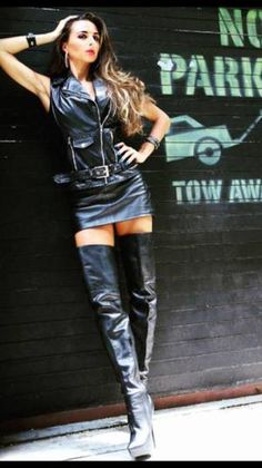 Black Leather Skirts, Leather Dresses, Leather Pants, Sexy Outfits, Crotch Boots, Sexy Stiefel, Leder Outfits, Sexy Boots, Thigh High Boots