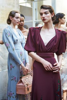 Dresses from Ulyana Sergeenko Fall-Winter Couture collection ❤ for all request you may contact us by email :… Fashion Details, Look Fashion, 90s Fashion, Retro Fashion, Trendy Fashion, Runway Fashion, Fashion Beauty, Vintage Fashion, Fashion Design