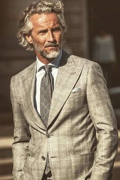 37 Ideas For Moda Hombre Hipster Outfits Hair Older Mens Fashion, Beard Fashion, Fashion Hats, Older Mens Hairstyles, Grey Hair Men, Handsome Older Men, Hipster Outfits, Well Dressed Men, Hair And Beard Styles