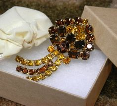 Vintage Mid-Century Brown & Gold Glass Rhinestones Brooch #Unsigned