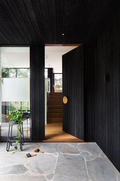 Entrance Design, House Entrance, Door Design, Residential Interior Design, Interior And Exterior, Interior Architecture, Timber Cladding, Modern Coastal, Japanese House