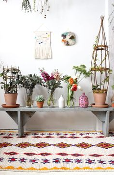 Spring vibes, Moroccan rug and wall hanging - Baba Souk