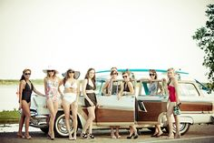 Retro Vintage Beach Photoshoot-----Would looove to do this with girlfriends!!!!!