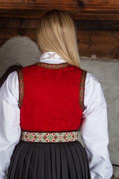 Bunad og Stakkastovo AS Cute Designs, Textile Art, Norway, Scandinavian, Doll Clothes, Ethnic, Amethyst, Folk, Weaving