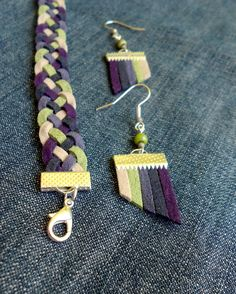 bluish jewelry set with some purple and green - The next set of leather jewelery arrives on a regular basis: a bracelet made of pentathlon with a l - Diy Necklace, Diy Earrings, Leather Earrings, Leather Jewelry, Leather Craft, Textile Jewelry, Fabric Jewelry, Jewellery, Men's Jewelry