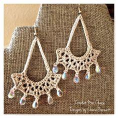 #free #crochet #pattern for crochet earring set by Crochet Mon Cherie hosted by Pattern-Paradise.com #patternparadisecrochet #earrings