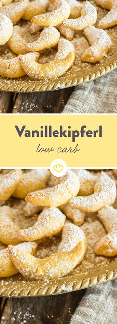 Low-Carb-Vanillekipferl mit gemahlenen Mandeln - Plätzchen backen - Vanilla biscuits belong on the cookie plate, like gifts under the tree. Unlike grandma's classics, these low-carb cookies are very light. Low Carb Desserts, Healthy Dessert Recipes, Low Carb Recipes, Keto Snacks, Dinner Recipes, Low Carb Cookies, Vanilla Biscuits, Law Carb, Low Carb Biscuit