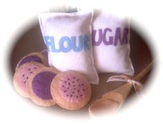 Looking for felt food tutorials? This is the biggest and best list for beautiful and easy felt foods crafts ideas and free felt food patterns. CraftyHousewife.com