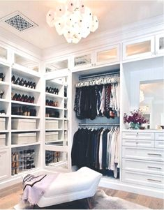 20 Incredible Small Walk-in Closet Ideas & Makeovers - Elegant Home Decor, Elegant Homes, Vintage Home Decor, Walk In Closet Small, Iron Wall Decor, Small Drawers, Room Planning, Home Accents, Accent Decor