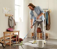 great idea for cleaning under furniture Bodenwischer mit verschiebbarem Gelenk www.tchibo.de