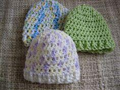 Ravelry: Bev's Easy Round Baby Hat pattern by Beverly A. Qualheim