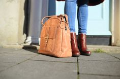 The Tan Aine is a multifunctional handbag that lets the exquisite leather make all the impact. Made in the finest calfskin leather with antique brass hardwear. Tan Leather Handbags, Tan Handbags, Luxury Handbags, Leather Crossbody Bag, Leather Backpack, Leather Bag, Leather Handle, My Bags, Bucket Bag