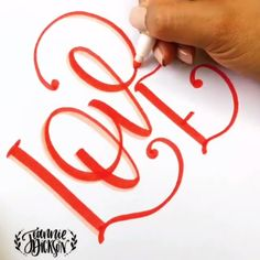 Fonts Alphabet Discover Love calligraphy bullet journal lettering tips calligraphie carnet bujo Creative Lettering, Brush Lettering, Lettering Styles, Hand Lettering Fonts, Typography Love, Watercolor Lettering, Diy And Crafts, Arts And Crafts, Paper Crafts
