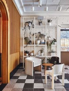 Atelier Ace, the in-house creative team behind the Ace Hotel chain, has added another outpost to their NYC repertoire with the Sister City Hotel. Ace Hotel New York, New York Hotels, New York City, Design Blog, Design Trends, Design Art, Lobby Do Hotel, Finnish Sauna, Sister Cities