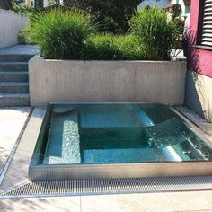 whirlpool mit abdeckung hydrops garten terrasse pinterest hot tubs and tubs. Black Bedroom Furniture Sets. Home Design Ideas