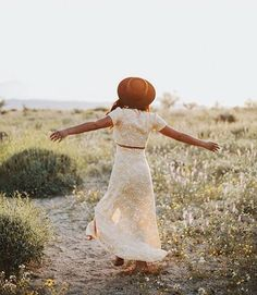 Happy Saturday #Verity babes! ✨ Sending lots of love and wishes for a beautiful weekend to all of you! Our girl @powerinbalance dancing with daisies in the Sunkissed Daisy maxi set! We're all sold out of the maxis, but just got a cute jumper with this same print! Check it out at www.loveverity.com! 💛🌿🌸