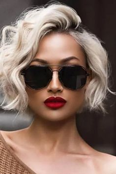 Our Favorite Hairstyles for Fall, short, medium and Long. - Informations About Our Favorite Hairstyles for Fall, short, medium and Long. Pin You can easily use - Layered Haircuts For Women, Short Hair Cuts For Women, Cut Her Hair, Short Hairstyles For Women, Fall Hairstyles, Popular Hairstyles, Short Haircuts, Haircut Short, Fashion Hairstyles