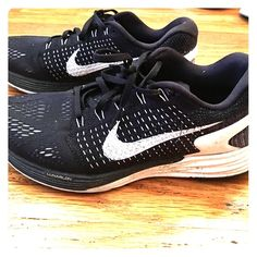 superior quality 382ef a5cf7 Nike Lunarglide 7 Very comfy, cushiony nike sneakers that have only been  worn a couple times.