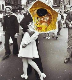 Such a beautiful collage , I found it online, I don't know who made it but such immense beauty, the kiss by Gustav Klimt and the most famous photograph V-J day in times Square.The Kiss. Photomontage, Dadaism Art, Fuchs Illustration, Collage Illustration, Surreal Art, Surreal Collage, Oeuvre D'art, Belle Photo, Art Inspo