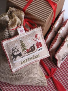 Christmas tags - Cross stitch inspiration: The Little Stitcher - Fairytale Primitive Advent Calendar by Botthéka