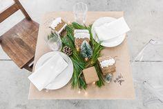Christmas Kids' Table - VALÉRIE DE L'ÉTOILE INTERIOR DESIGNER Designer, Table Decorations, Tableware, Home Decor, Dinnerware, Decoration Home, Room Decor, Tablewares, Dishes