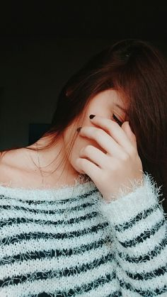 Dpz for girls Magical Photography, Face Photography, Cute Poses For Pictures, Girly Pictures, Girl Hiding Face, Girl Face, Girls Dp Stylish, Stylish Girl Images, Cute Girl Photo