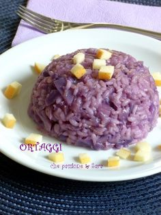 Risotto con cavolo rosso e mela - red cabbage Risotto Recipes, Rice Recipes, Raw Food Recipes, Meat Recipes, Pasta Recipes, Healthy Recipes, Italian Dishes, Italian Recipes, Rice Dishes