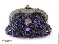 Вышитая бисером черная сумочка. Сумочка вечерняя с камеей, натуральными камнями и кристаллами сваровски. Маленькая эксклюзивная дизайнерская сумочка с фермуаром и съёмной цепочкой