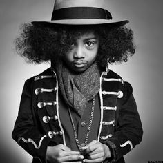 Jimi Hendrix (Mateo H.): Photographer April Maciborka recreated images of some of the most famous names in pop culture with miniature look-a-likes. Jimi Hendrix, Kids Pop, Cute Kids, Elvis Presley, Bowie, Marilyn Monroe, Madonna, Black And White Baby, Kids Around The World
